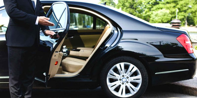 Important Things To Consider Before Hiring Limousine Services